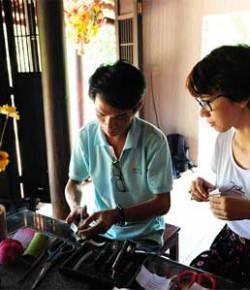 Vietnam Paper Flower Art revived