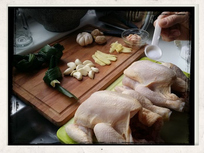 Recipe Hainan Chicken Rice; Preparing chickens; stuffing set